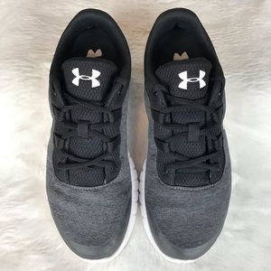 UNDER ARMOUR WOMEN CHARGED LOW RUNNING SHOES